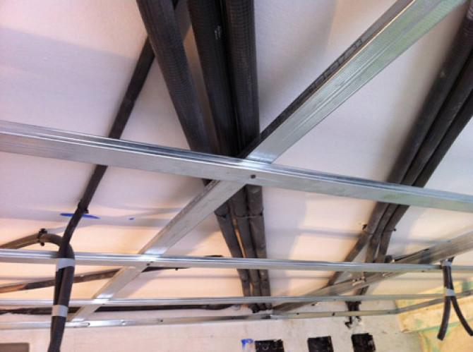 Colocación de perfilería de falso techo de pladur