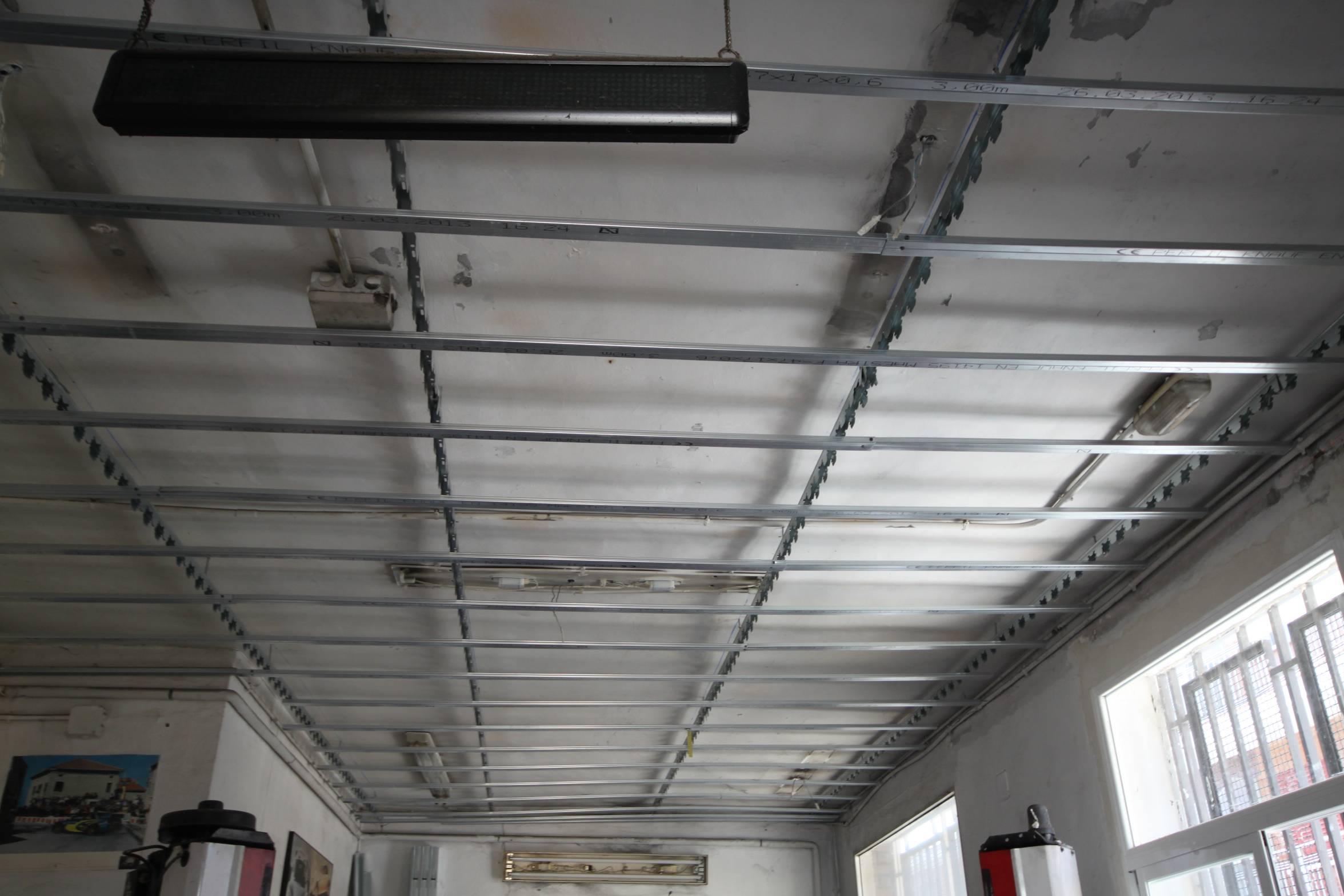 Aislamiento de falsos techos #knauf - Reforma integral de viviendas ...