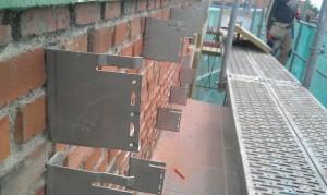 Colocacion de Sate en fachada